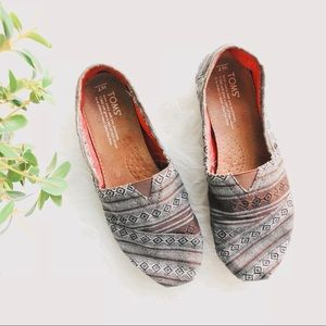 TOMS Tribal Woven Flat Loafers Size 7